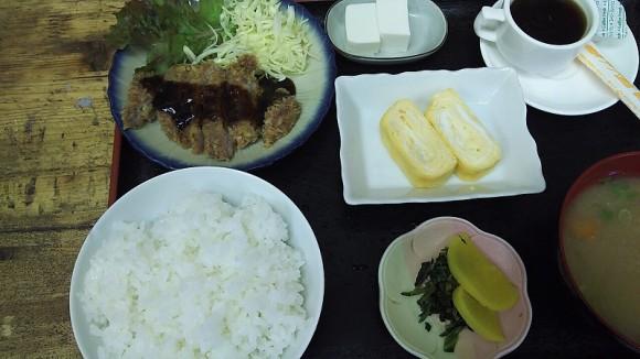 豚カツと卵焼き定食