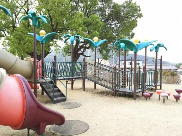 キラキラ公園遊具2